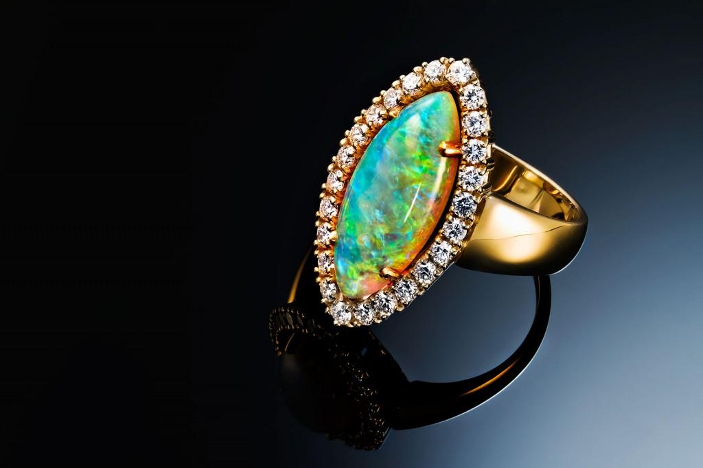 Opal Ring Gelbgold mit Brillanten